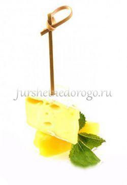 Сыр бри и ананас