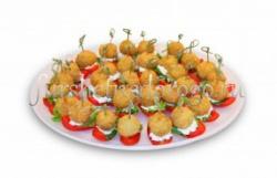 Обжаренные сырные шарики с томатом