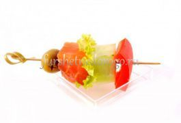 Шпажка с лососем и овощами