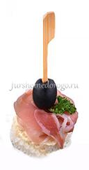 Пармская ветчина с маслиной
